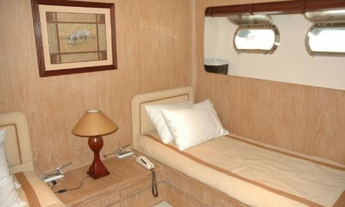 Image of Cantieri di Pisa Akhir 32 for sale in Greece for €890,000 (£766,838) Greece