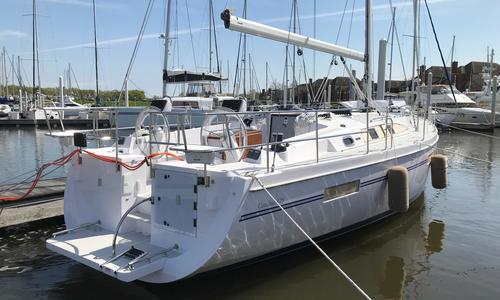 Image of Catalina 425 - 74 on order for sale in United States of America for $305,139 (£236,240) Kemah, TX, United States of America