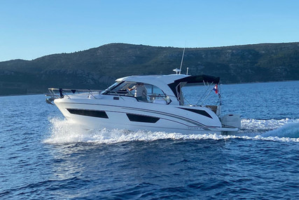 Beneteau Antares 9 for charter in Croatia from €2,000 / week