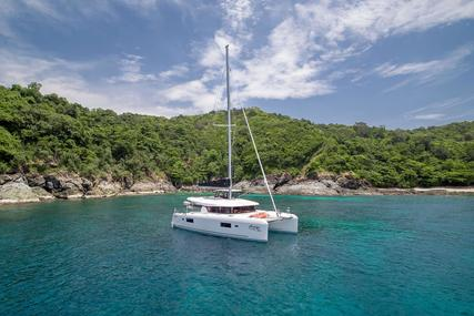 Lagoon 42 for sale in Thailand for €465,000 (£424,692)