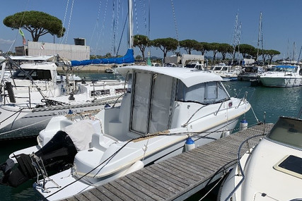 Beneteau Antares 750 IB for sale in Italy for €29,500 (£26,574)
