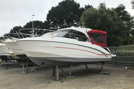 Beneteau Antares 7 OB for sale in France for €49,900 (£45,103)