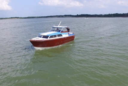 Owens Flagship 28 Express for sale in United States of America for $53,900 (£41,792)