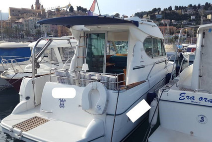 Jeanneau Merry Fisher 805 for sale in France for €29,000 (£26,116)