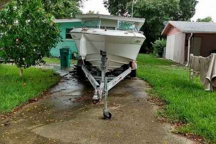 Sea Ray 230BR for sale in United States of America for $12,000 (£9,317)