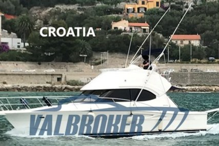 Riviera 37 Flybridge for sale in Croatia for €145,000 (£132,421)
