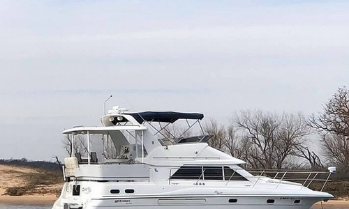 Image of Cruisers Yachts 3650 MY for sale in United States of America for $76,700 (£60,211) Dennison, Texas, United States of America