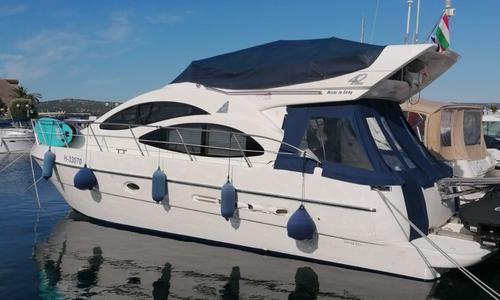 Image of Azimut Yachts 42 for sale in Croatia for €149,000 (£136,115) Croatia