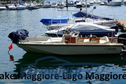 Boston Whaler 220 Outrage for sale in Italy for €27,000 (£24,316)