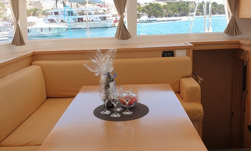 Image of Lagoon 450 for sale in Croatia for £350,000 Croatia