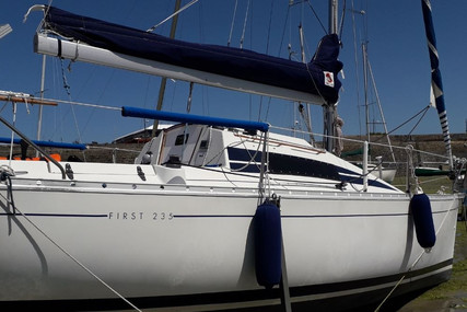 Beneteau First 235 for sale in France for €12,500 (£11,298)