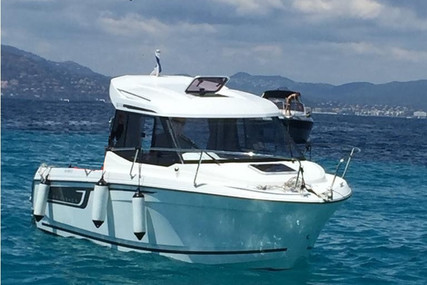 Jeanneau Merry Fisher 605 for sale in France for €37,000 (£33,320)