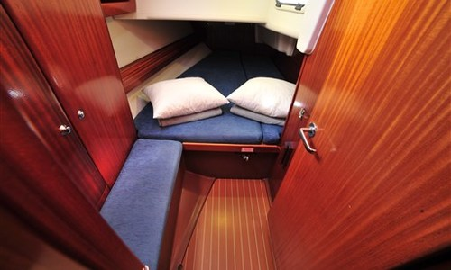 Image of Bavaria Yachts 38 for sale in Italy for €57,250 (£52,287) Marina di Portisco, Sardegna, Italy