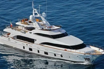 Benetti Tradition105 for sale in Italy for €4,900,000 (£4,213,060)