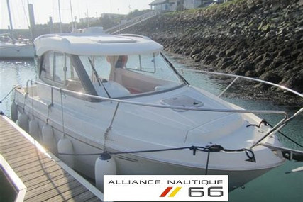 Beneteau Antares 680 HB for sale in France for €33,900 (£30,538)