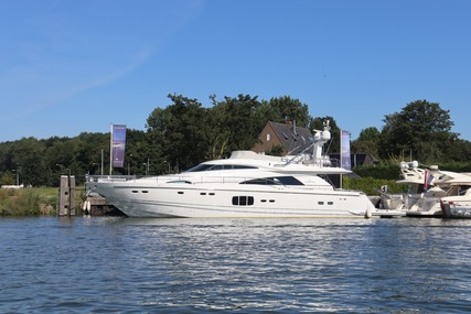 Fairline Squadron 78 for sale in Netherlands for €1,350,000 (£1,221,664)
