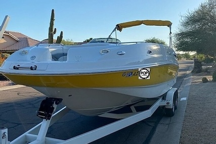 Chaparral 252 Sunesta for sale in United States of America for $45,500 (£34,769)