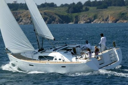 Beneteau Oceanis 46 for sale in France for €152,000 (£138,532)