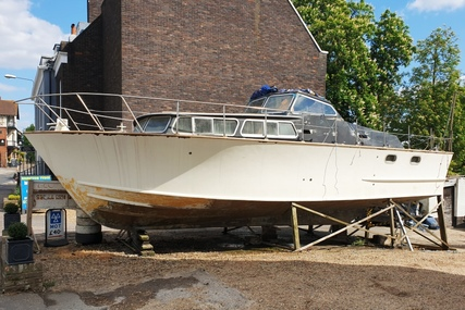 37ft OSBORNE EXPRESS MOTOR CRUISER for sale in United Kingdom for £9,500