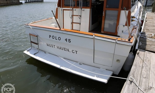 Image of Bayliner 3870 for sale in United States of America for $44,900 (£34,762) West Haven, Connecticut, United States of America
