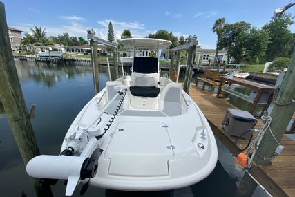 Boston Whaler 270 Dauntless for sale in United States of America for $119,950 (£94,115)