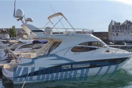 Sealine F 42/5 for sale in Italy for €205,000 (£187,910)