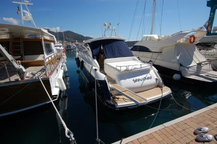 Princess V48 for sale in Italy for €285,000 (£258,300)