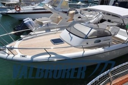 Cerrimarine 28 for sale in Italy for €42,000 (£38,483)