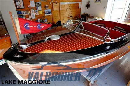 Chris-Craft wood for sale in Italy for €41,000 (£37,582)