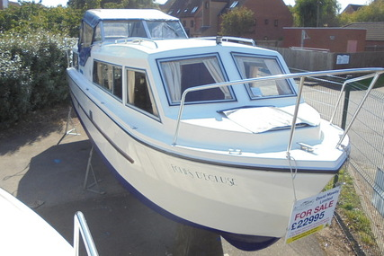 Viking Yachts 32 Centre Cockpit for sale in United Kingdom for £22,995
