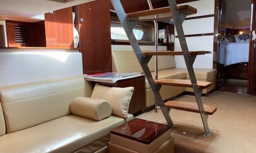 Image of Sea Ray 450 Sundancer for sale in United States of America for $334,999 (£242,165) Plandome, New York, United States of America