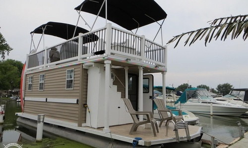 Image of Custom Tritoon 33 for sale in United States of America for $27,500 (£21,581) New Baltimore, Michigan, United States of America
