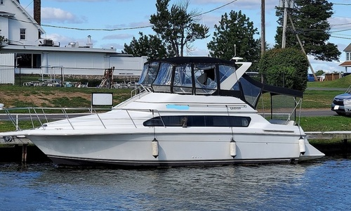 Image of Carver Yachts 380 Santego SE for sale in United States of America for $68,900 (£49,800) Brewerton, New York, United States of America