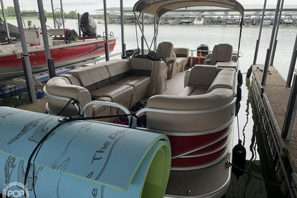 Sun Tracker Party Barge 24 DXL for sale in United States of America for $38,900 (£30,161)