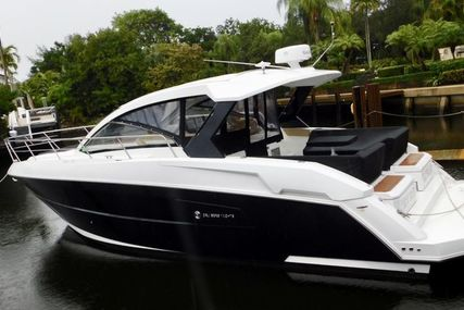 Cruisers Yachts Yachts Express Coupe for sale in United States of America for $379,000 (£297,372)