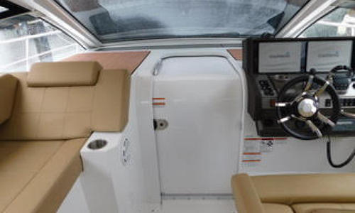 Image of Cruisers Yachts Yachts Express Coupe for sale in United States of America for $379,000 (£278,194) Palm Beach Gardens, Florida, United States of America