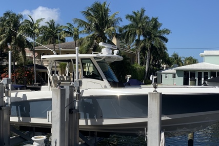 Boston Whaler 350 Outrage for sale in United States of America for $359,000 (£261,824)