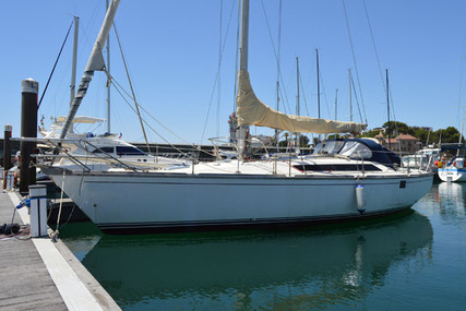 Jeanneau Sun Fizz for sale in Portugal for €36,000 (£32,855)