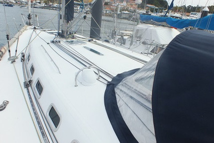 Beneteau First 47.7 for sale in Portugal for €105,000 (£96,272)