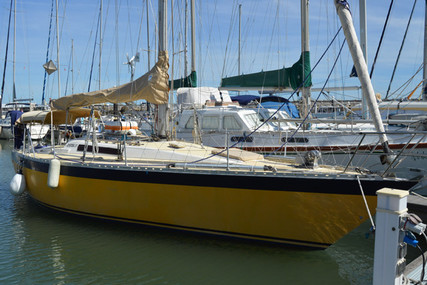 Oyster 37 for sale in Portugal for €44,000 (£39,878)