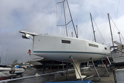 Jeanneau Sun Odyssey 410 for sale in Portugal for €199,000 (£182,410)