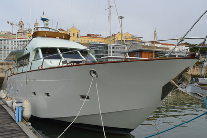 Elkins 62 for sale in Portugal for €135,000 (£123,866)
