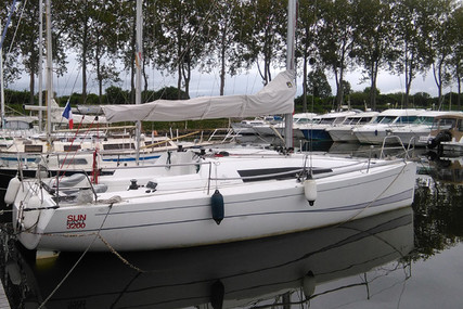 Jeanneau Sun Fast 3200 for sale in Portugal for €98,500 (£89,962)