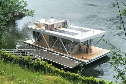 Houseboat 14 for sale in Portugal for €235,000 (£214,396)