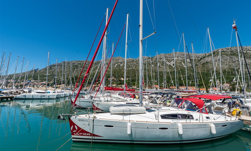 Image of Beneteau Oceanis 43 for sale in Croatia for €82,000 (£74,811) Dubrovnik, Croatia