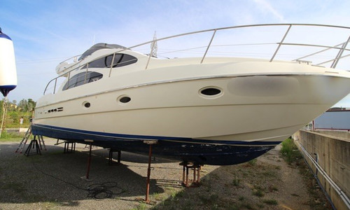 Image of Azimut Yachts 42 for sale in Italy for €140,000 (£128,276) Toscana, , Italy