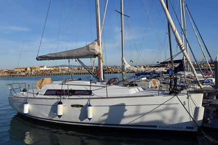 Beneteau Oceanis 31 for sale in Italy for €63,000 (£57,539)