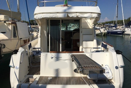 Prestige 32 for sale in Italy for €67,000 (£60,989)