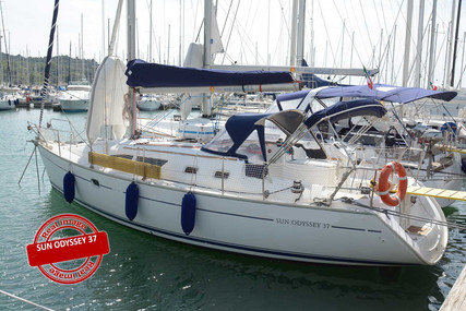 Jeanneau Sun Odyssey 37 for sale in Italy for €60,000 (£55,051)