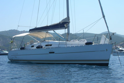 Beneteau Oceanis 323 Clipper for sale in Italy for €46,000 (£41,924)